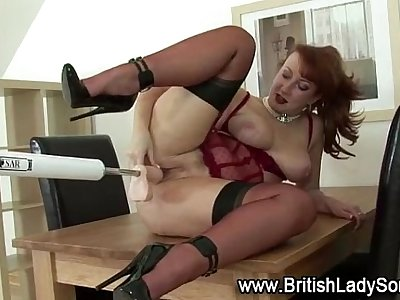 Mature brit in stockings gets off