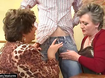 Hot Old Mature Women Fuck And Suck Cock